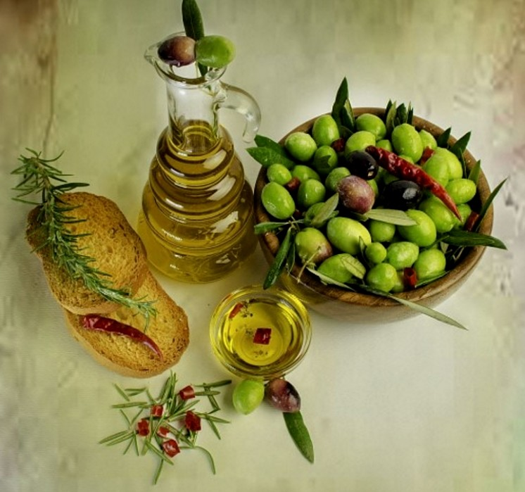 Olive oil is very popular but it is not suitable for high temperature frying and its smoke point temperature is too low.