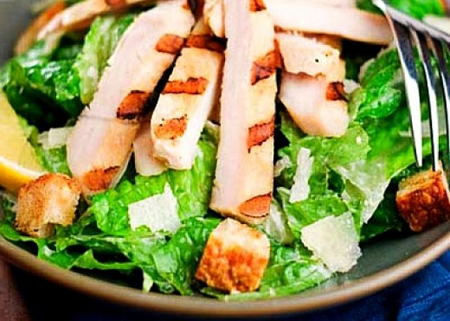 Grilled chicken with salad is a healthy choice. Advoid any coated meat or deep fried vegetables such as hash browns in these salads