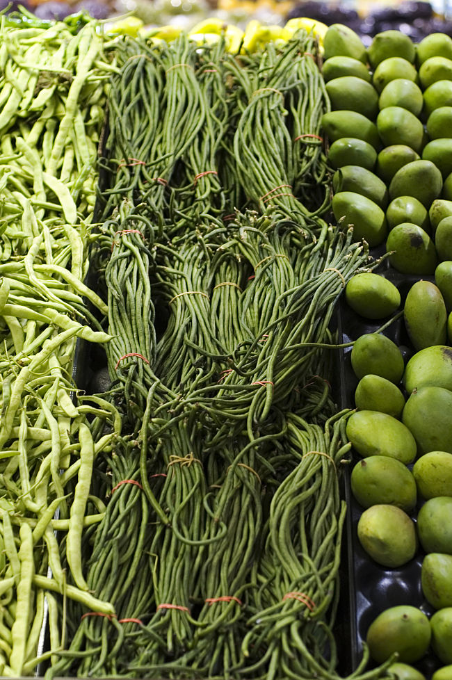 Green vegetables are rich natural dietary fiber