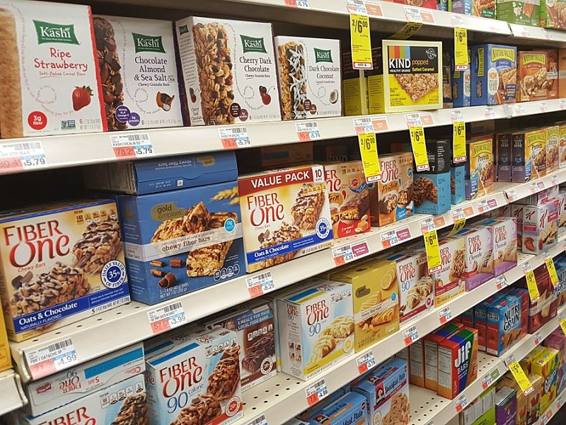 Discover how to make healthy choices from the array of snack bars on the shelves in the supermarkets